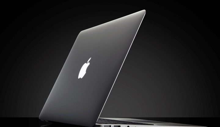 Apple plans laptop upgrades to take on Microsoft
